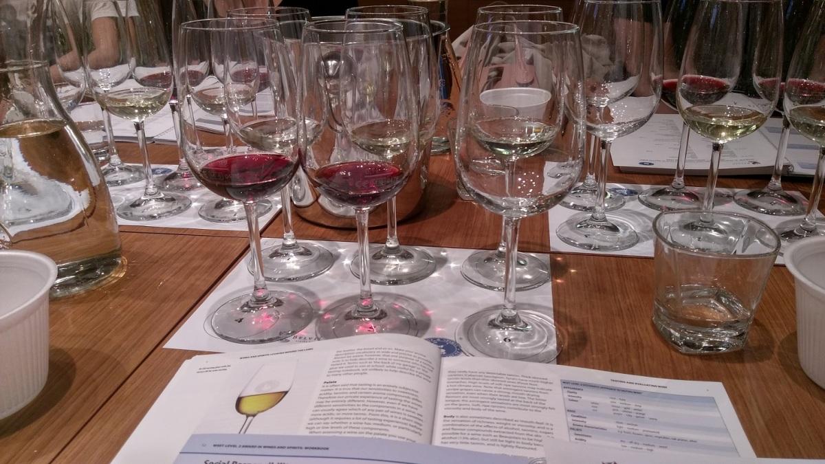 WSET pristop k pokušanju vin®