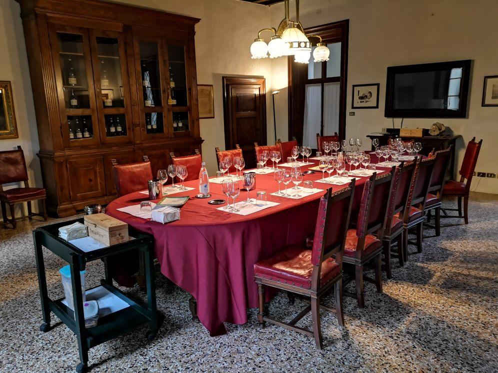 Soba za degustacije v vili Mosconi Bertani, foto Andrej Planina